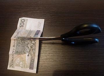 Cięcia wynagrodzeń